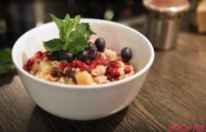 gesundes Frühstück Porridge